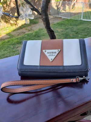 GUESS wallet for Sale in Everett, WA