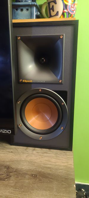 Klipsch r51pm powered monitor studio speakers for Sale in Ridge, NY