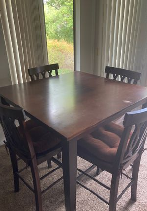 Tall table/4 chairs for Sale in Laguna Niguel, CA