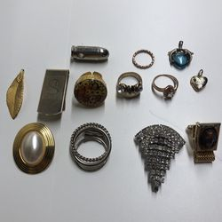 Lot Of Jewelry for Sale in Collinsville,  IL