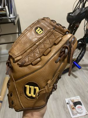 "Wilson A800 outfield glove 12.5"" for Sale in Miami, FL"