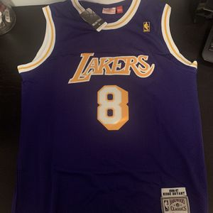 Kobe Bryant 8 Purple Los Angeles Lakers Retro Jersey for Sale in Los Angeles, CA