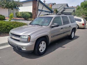 CHEVY 2002 TRAILBLAZER LT EXT ALSO OPEN TO TRADES LOOKING FOR FULL SIZE SHORTBED PICK UP OF EQUAL VALUE OR 5.0 MUSTANG???? for Sale in San Diego, CA