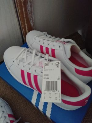 Adidas shoes size youth 5 1/2 for Sale in Casa Grande, AZ