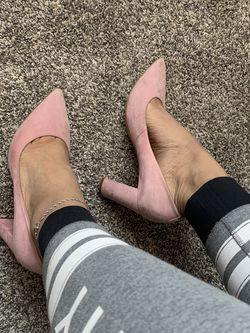 Pink Pointy Suede Heels for Sale in Houston,  TX