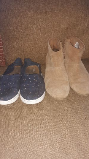2 Pairs of Girls Tom's size 1 & 1 1/2 for Sale in Downey, CA