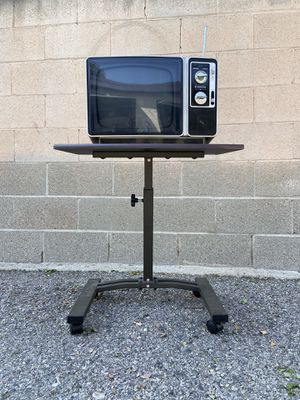 Vintage TV television and CART - 1970s tv for Sale in Los Angeles, CA