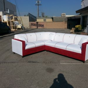 NEW WHITE LEATHER COMBO SECTIONAL COUCHES for Sale in Gardena, CA