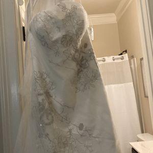Wedding Dress for Sale in Stonecrest, GA