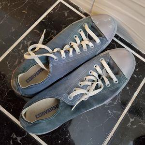 Custom converse all star powder baby blue for Sale in Houston, TX