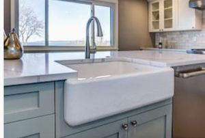 Reversible farmhouse kitchen sink porcelain 31x18 for Sale in Fontana, CA