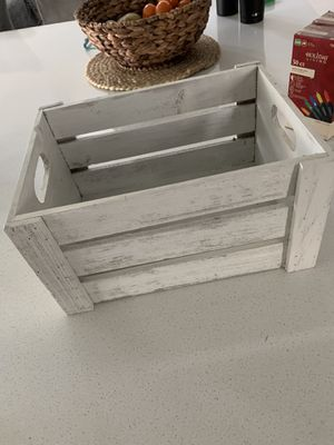 Wood box for Sale in Lathrop, CA