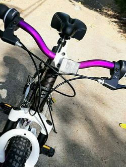 """NEW! 26"""" Woman's Aluminum Mountain Bike. 21 Speeds. Heights: 5'1"""" - 5'10"""". PRICE IS FIRM! for Sale in Miami,  FL"""
