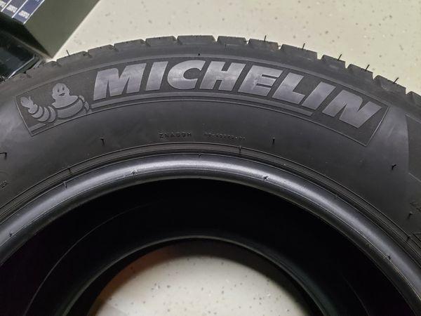 Complete set of 4 Michelin Latitude Tour Tires P225/65 R17