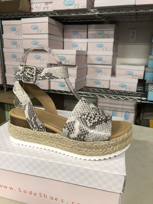 Woman size 6.5 opic beige python print ankle strap flatform sandal espadrilles for Sale in Chino, CA