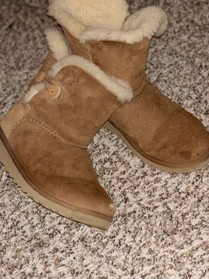 Women UGG Bailey Button II Boot Chestnut for Sale in Miami, FL