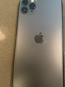 IPhone 11 Pro Max Factory Unlocked For All Carriers Worldwide for Sale in Portland,  OR