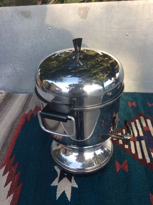 24 cups coffee maker for Sale in Long Beach, CA