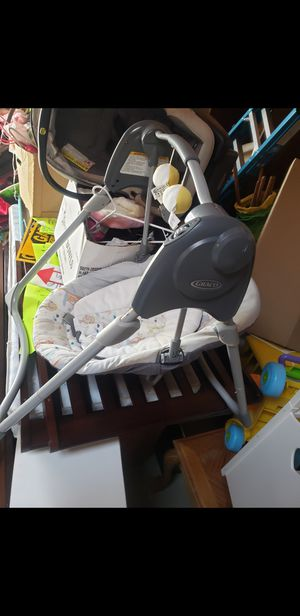 Graco baby swing. Good condition. Battery ooerated for Sale in Tacoma, WA