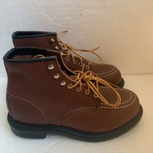 Red Wing Oil Resistant Long Wear Work Steel Toe Safety ASTM 8249 Boots Size 9 for Sale in Stratford, CT