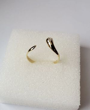 14k gold ring with diamond for Sale in Miami, FL