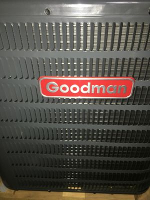 Goodman AC UNIT 1.5 ton for Sale in Columbus, OH