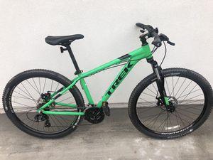 Trek Marlin 4 Disc brake 27.5er Bontrager Hardtail mountain bike for Sale in Glendale, AZ