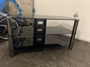 VGUC Glass TV Stand for Sale in Renton, WA