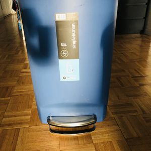 simplehuman 50 Liter / 13 Gallon Semi-Round Kitchen Step Trash Can, Blue Plastic With Secure Slide Lock for Sale in Jersey City, NJ