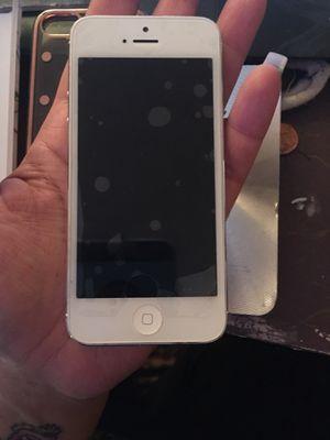 iPhone 5 8gb for Sale in Deltona, FL
