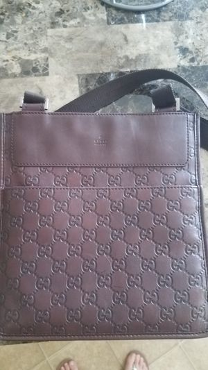 Authentic Gucci Leather Crossbody Messenger Bag for Sale in Seminole, FL