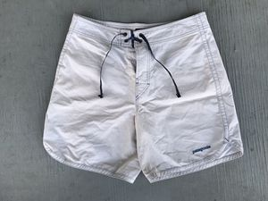 Patagonia Common Threads ALL-WEAR Mens 32 Organic Cotton White Shorts Hike Beach for Sale in Santa Ana, CA