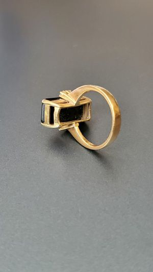 GEM 18k Gold ring size 7.5 grams 5.7 for Sale in MONTGOMRY VLG, MD