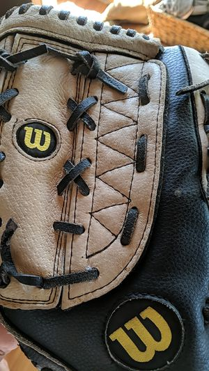 Wilson Softball Glove for Sale in San Diego, CA