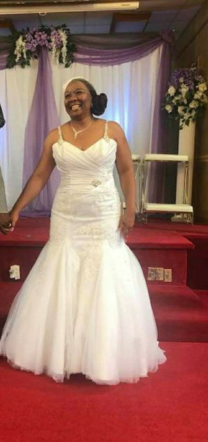 White fit Flare Wedding dress size 16 for Sale in Suffolk, VA