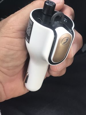 FM TRANSMITTER CAR BLUETOOTH with HANDSFRE: FM TRANSMITTER With HEADSET Bluetooth Wireless Technology USED NORMAL WEAR Bluetooth for the car: FM TR for Sale in Hialeah, FL