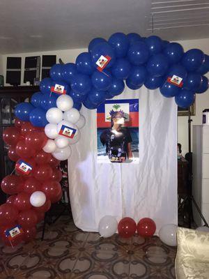 Free Balloon Garland for Sale in Miami, FL