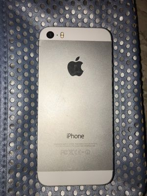 iPhone 5 for parts for Sale in Raytown, MO
