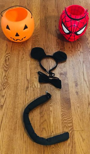 Halloween cat costume and 2 baskets for Sale in Murfreesboro, TN