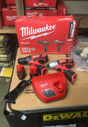 Milwaukee M12 12-Volt Lithium-Ion Cordless Drill Driver/Impact Driver Combo Kit (2-Tool) w/(2) 1.5Ah Batteries, Charger, Tool Bag for Sale in Fontana, CA