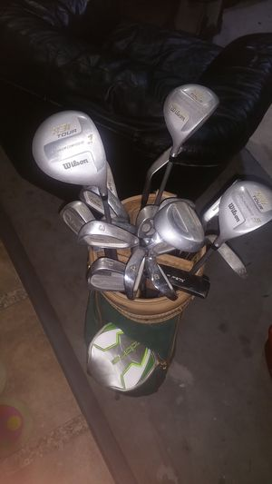 Wilson golf clubs with bag for Sale in Phoenix, AZ