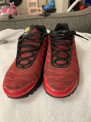 Nike air size 9 red and black tennis shoes for Sale in Columbus, OH