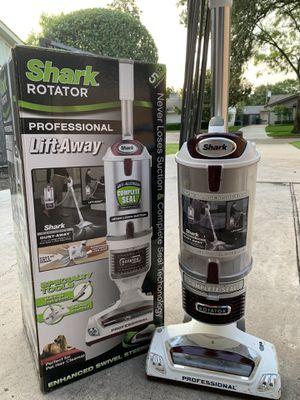Shark Rotator Professional Lift-Away Vacuum for Sale in Houston, TX