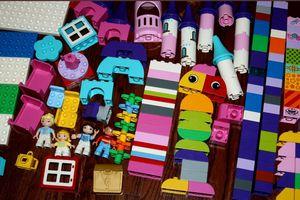 Lego duplo Disney princesses castle for Sale in Charlotte, NC