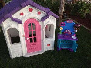 Step2 Sweetheart playhouse and Doc Mcstuffins toy vet for Sale in Modesto, CA