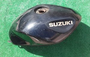 Suzuki Motorcycle Gas Fuel Tank *Needs Inside Cleaned* for Sale in Hollywood, FL