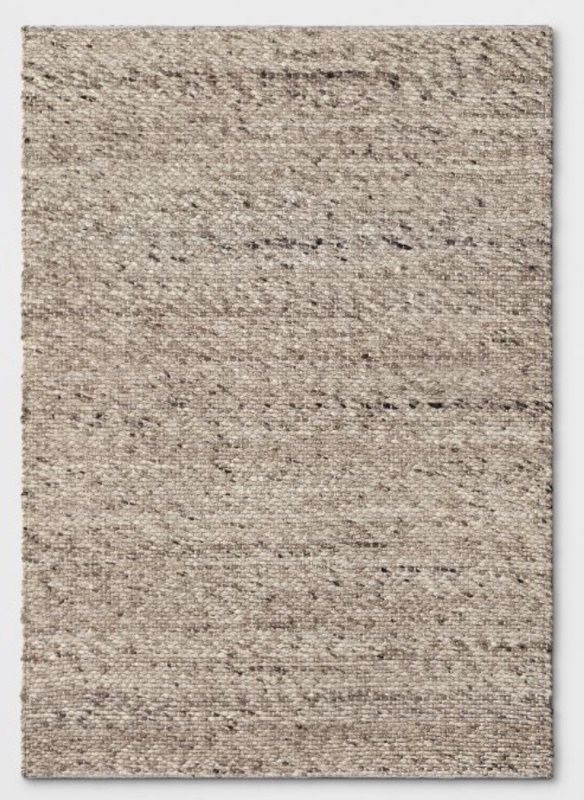 New 5 x 7 Rug Tan and White Chunky Knit