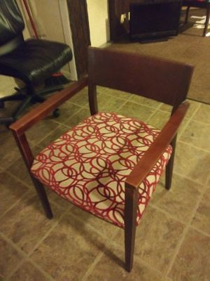 SEVEN NICE MATCHING LOBBY CHAIRS for Sale in Tampa, FL