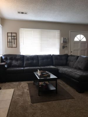 Free Sectional couch for Sale in Chino, CA
