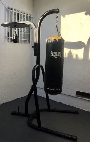 Everlast Stand withHeavy Bag and Speed Stand for Sale in Los Angeles, CA
